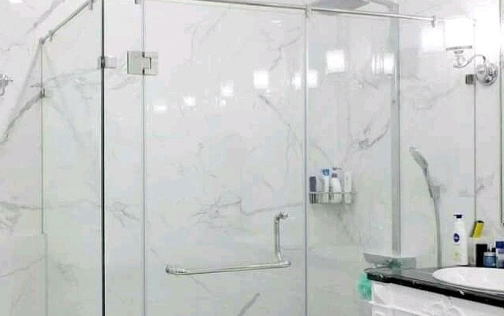 Shower Box Transparan Sebagai Model Kamar Mandi Modern Terkesan Mewah dan Bersih